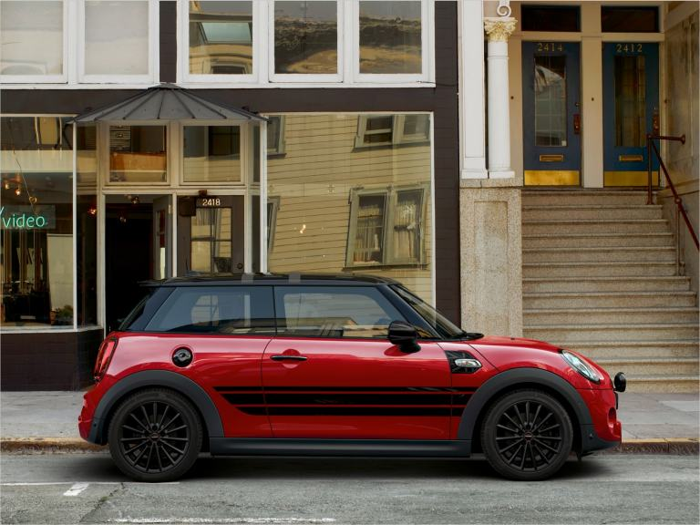 MINI 3-door Hatch – red and black – MINI wheels and tyres